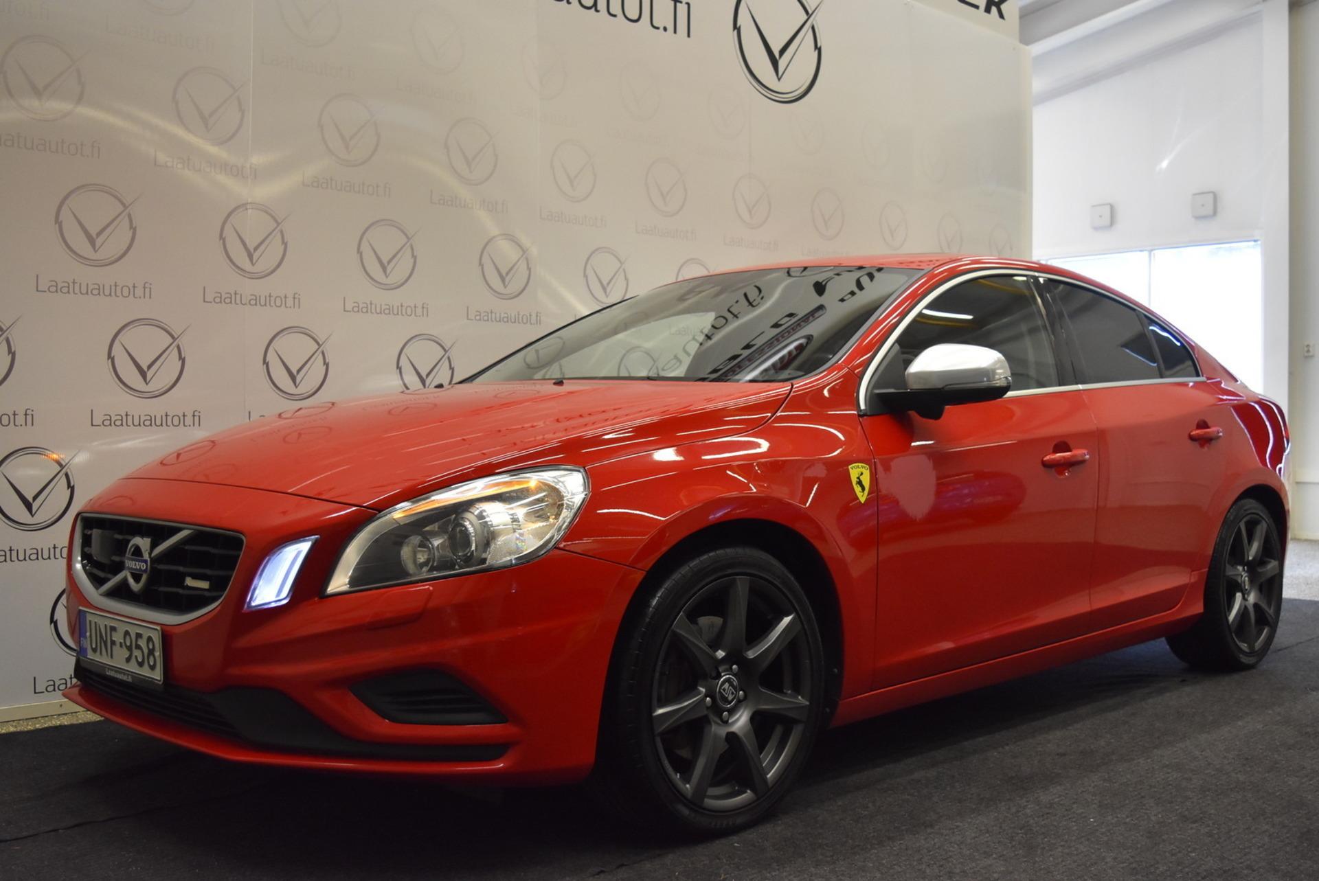 VOLVO S60 D5 AWD R-Design aut - ,  Korko 1, 99%! Navi,  Adap.cruise,  Lisälämmitin,  Lasikattoluukku,  Premium audio,  BLIS,  Ir.vetokoukku,  P.kamera jne!!